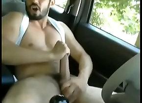 cum,gay,masturbacion,carro,guapo,huevotes,barbon,gay Guapo se la jala...