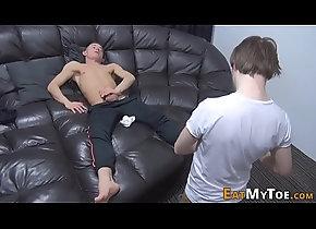 cumshot,masturbation,fetish,gay,massage,footjob,feet,hd,kinky,footworship,chav,kyle,gay Gay hunks feet...