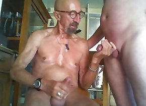 Gay Porn (Gay);Handjobs (Gay);Masturbation (Gay);Old+Young (Gay);HD Gays;Alt zwei geile Wixxer...