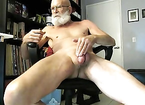 Gay Porn (Gay);Amateur (Gay);Daddies (Gay);Handjobs (Gay);Masturbation (Gay);HD Gays Big Beard Cums
