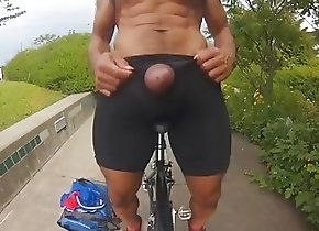 Twinks (Gay);Amateur (Gay);Hunks (Gay);Muscle (Gay);Outdoor (Gay);In the Rain;Big Dick;Big Big Dick;Outside Big dick cums a...