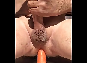 cum,ass,masturbate,gay,carrot,soloboy,gay Fucking my arse...