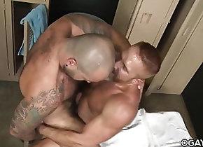 Bareback (Gay);Bear (Gay);Big Cock (Gay);Hunk (Gay);Locker Room (Gay);HD Videos;Anal (Gay) Sweaty Gay Sex -...