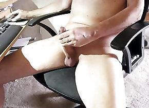 Man (Gay) Nackedei wichst 155