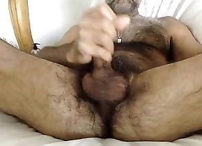 Bear (Gay);Masturbation (Gay);HD Videos;Hairy Gay (Gay) Superbe hairy...